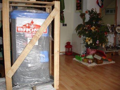 Recepción de la estufa Tudela en Navidad - Experiencia Personal Autoinstalación Estufa de Leña Bronpi Tudela
